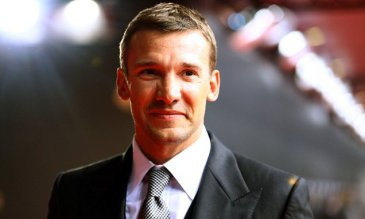 ZURICH, SWITZERLAND - JANUARY 07:  Andriy Shevchenko poses during the red carpet arrivals for the FIFA Ballon d'Or Gala 2012 on January 7, 2013 at Congress House in Zurich, Switzerland.  (Photo by Christof Koepsel/Getty Images) *** Local Caption *** Andriy Shevchenko