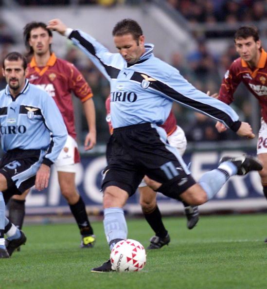 Lazio Roma's defender Croatian Sinisa Mihajlovic s