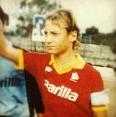 totti young